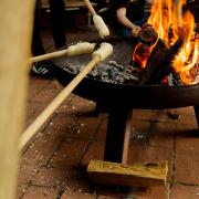 Stockbrot am Feuer